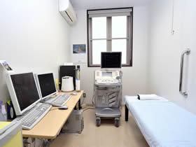 超音波検査室